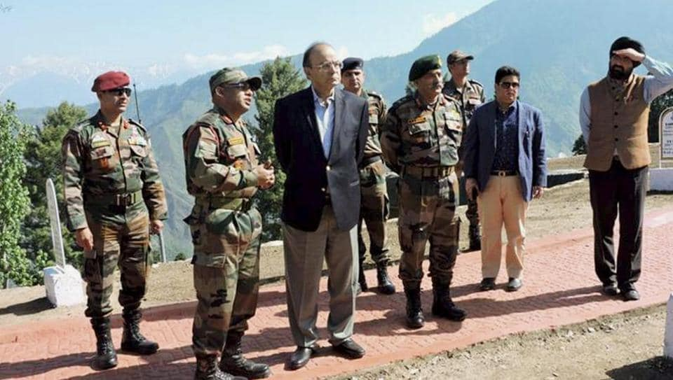 Defence minister Arun Jaitley visiting forward areas of Rampur sector, north Kashmir, on Friday.