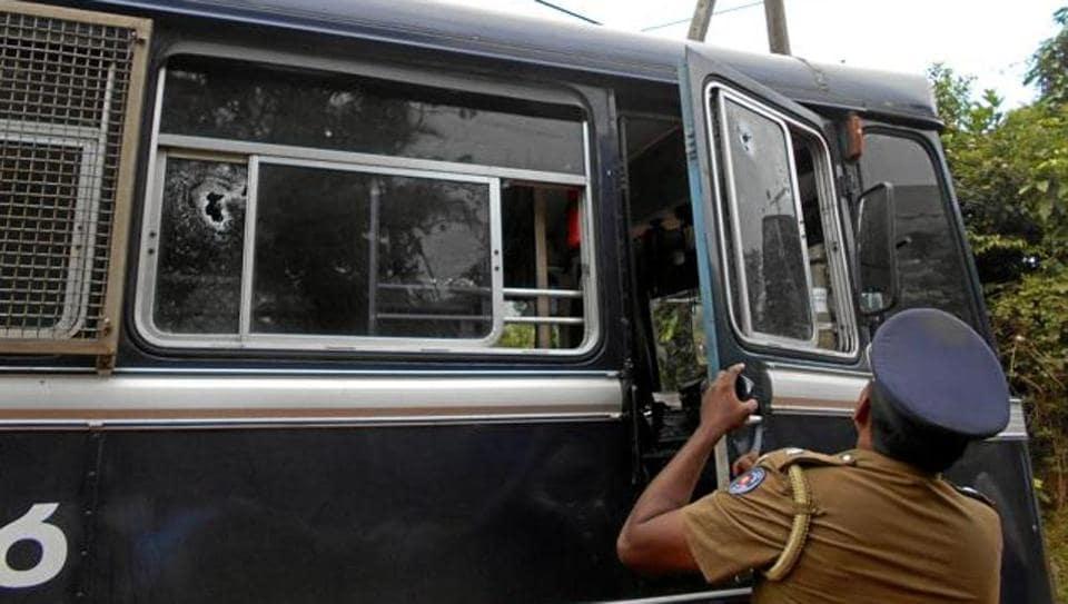 An unidentified gunman opened fire on police in Sri Lanka's Kilinochchi.
