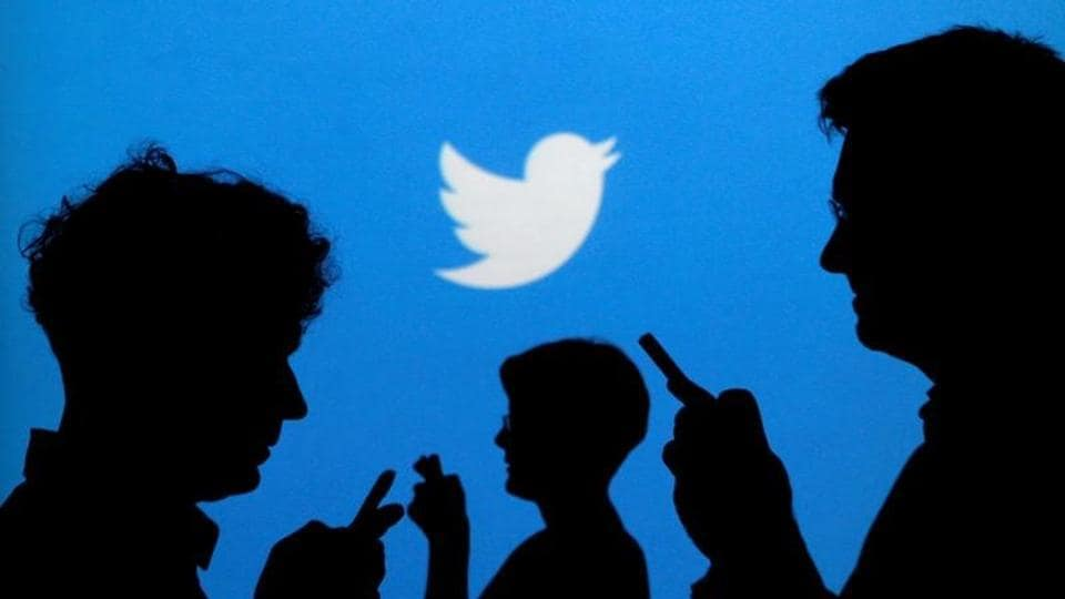 Twitter appeared to have faced an outage, as several users on Friday morning  reported issues while posting tweets