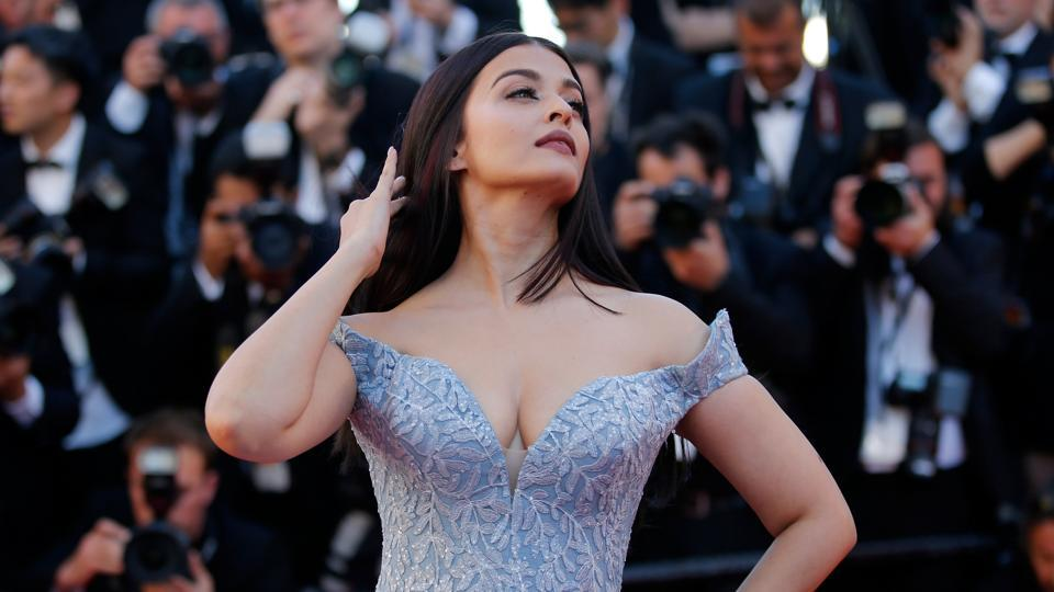 Work it, girl! Aishwarya turned up looking like this at the screening.