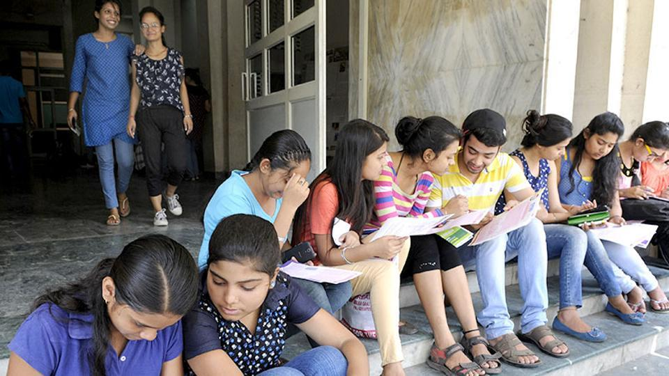 DU will start the online registration process for admissions to around 54,000 seats in undergraduate courses from May 22 but the last date for registration has not been announced yet.