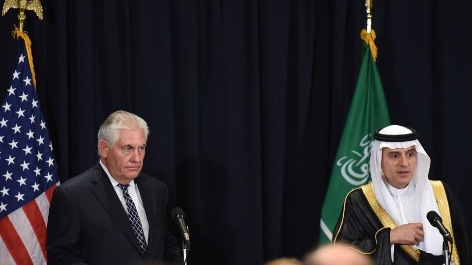 Saudi Minister of Foreign Affairs Adel al-Jubeir (R) and US Secretary of State Rex Tillerson hold a press conference following a bilateral meeting in Riyadh on May 20, 2017.