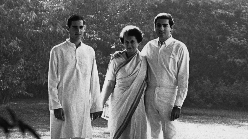 Indira Gandhi along with sons Sanjay and Rajiv Gandhi at their home in New Delhi in the late 1970s.  (Getty Images)