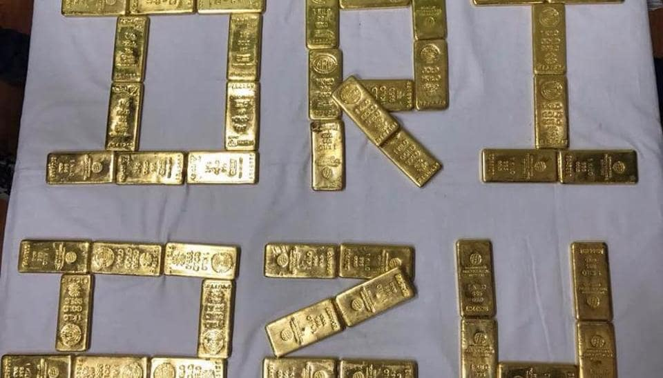 Directorate of Revenue Intelligence (DRI) seized 52kg of gold, worth Rs15 crore, from a consignment imported from Dubai by a Delhi-based firm at Mundra port in Gujarat on Sunday.