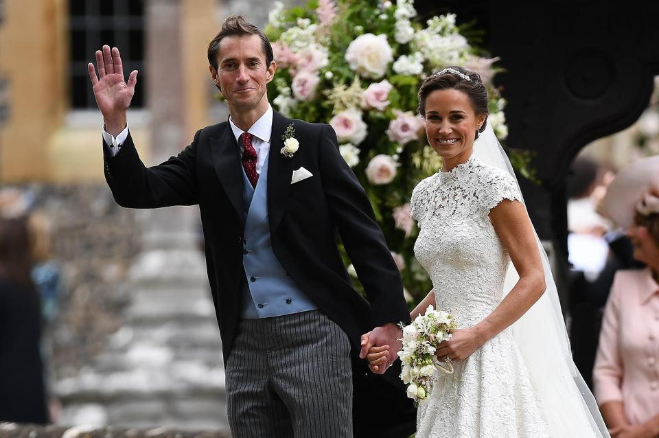 Pippa Middleton and her husband James Matthews leave St Mark's Church in Englefield, west of London, following their wedding ceremony. (Justin TALLIS / AFP)
