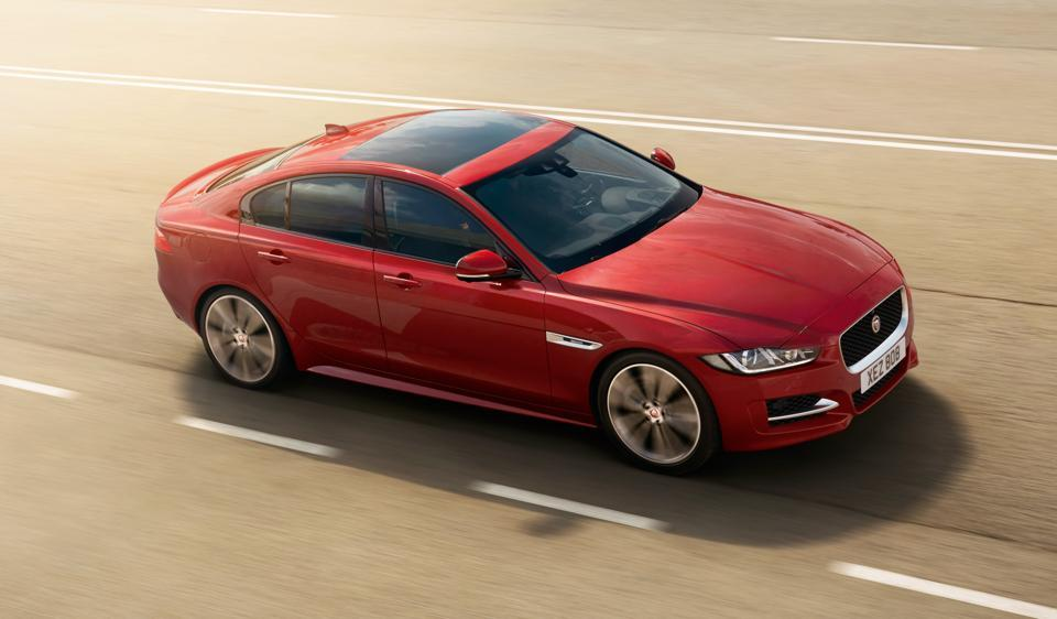 Jaguar XE 2.0 Diesel Launched in India, Priced INR 38.25 Lakh