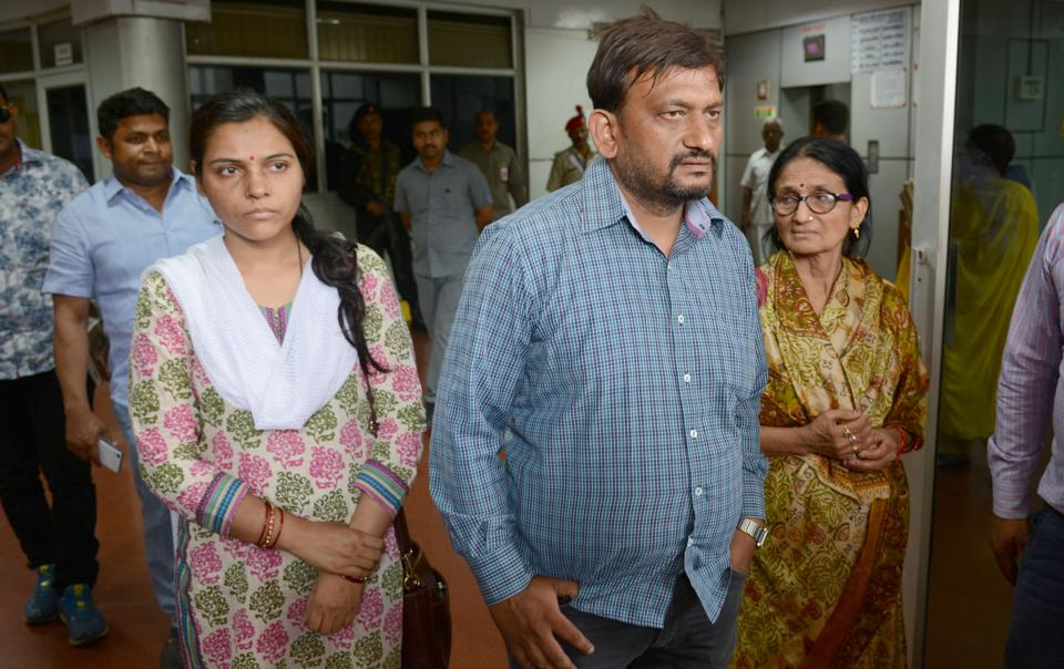 Deceased IAS officer Anurag Tiwari's brother Mayank, mother Sushila and wife Subhra met UP CM Adityanath on May 22, asking for a CBI probe into his death.