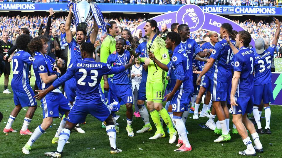 Jubilant Chelsea players celebrate after the presentation. (AFP)