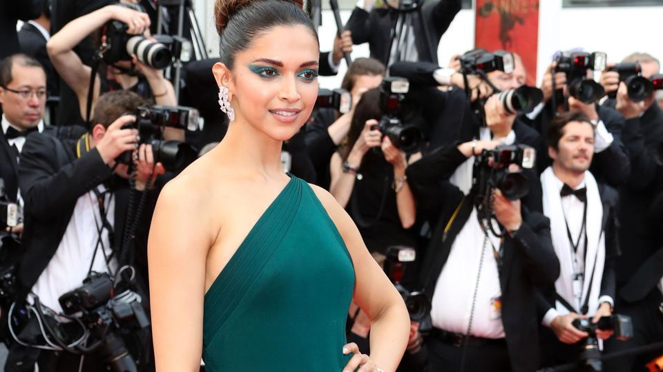 Deepika Padukone poses as she arrives on May 18, 2017 for the screening of the film 'Loveless' (Nelyubov) at the 70th edition of the Cannes Film Festival in Cannes, southern France.