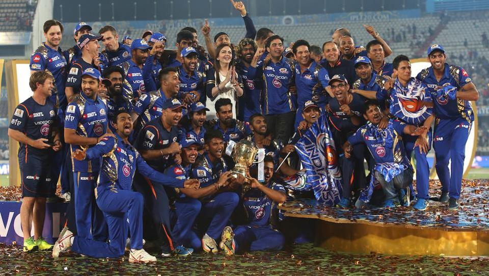 The IPL 2017 winners pose with the trophy for the cameras. (BCCI)