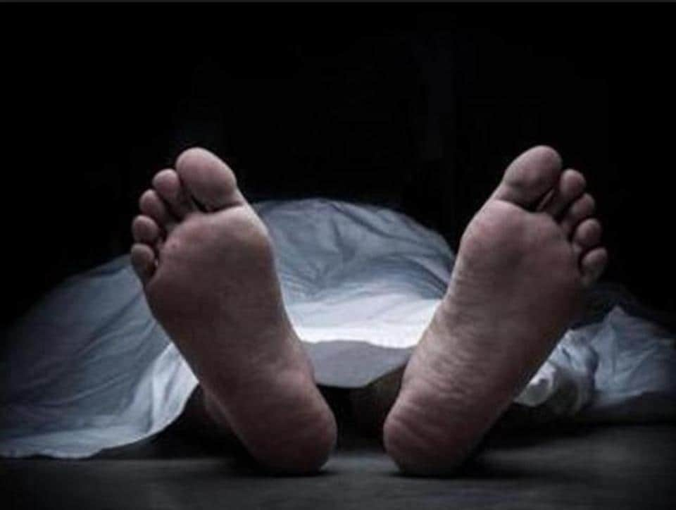 A passerby called the police when he saw Amarkumar lying on the ground. He was taken to Rajawadi Hospital but was declared dead on admission.