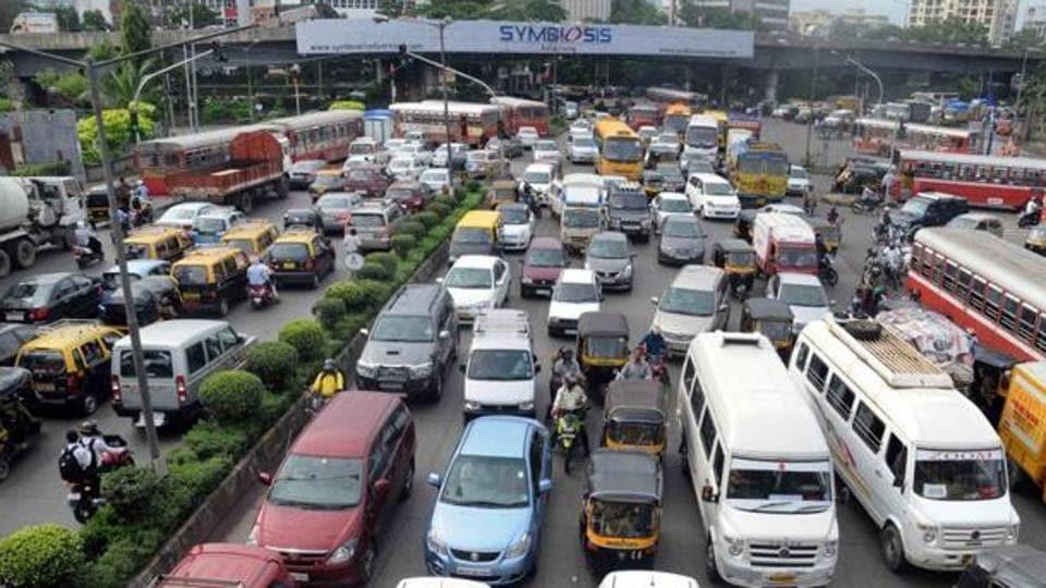 Mumbai city news,Kalanagar junction,Mumbai road traffic