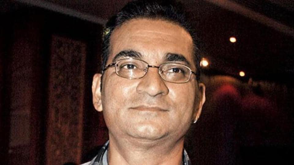 Twitter,Abhijeet Bhattacharya,Narendra Modi