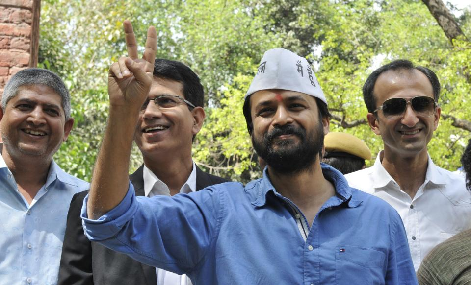 """Vice-chairman of the Dialogue and Development Commission Ashish Khetan has approached the Supreme Court alleging he received death threats from a """"right-wing"""" organisation."""