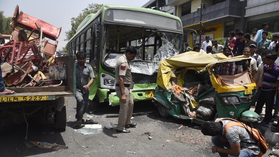 Two dead, five injured in Delhi bus-rickshaw collision