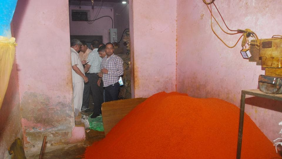 Officials of the food department picked up more than half a dozen samples of chilli and turmeric powders for testing. It is suspected that the two items are being adulterated with colours.