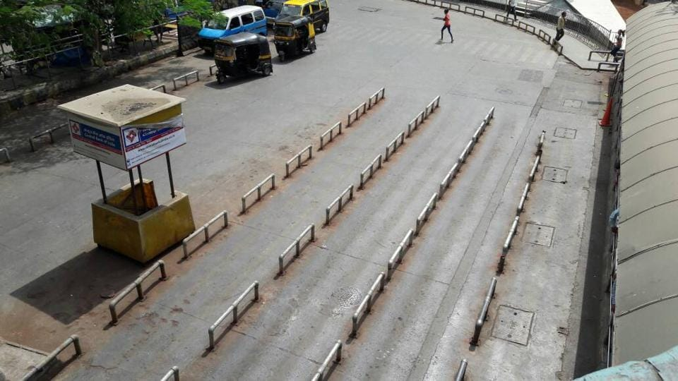 Autorickshaw stands remain deserted on account of the strike.