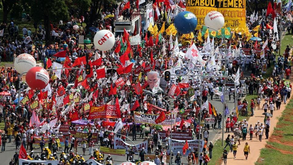 Demonstrators take part in a protest against Brazilian President Michel Temer. (Paulo Whitaker / Reuters)