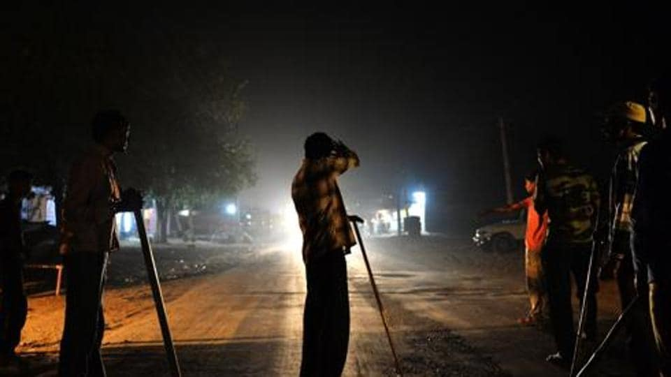 Cow vigilantes suspected that the animals were being transported illegally for slaughtering and called up other members.