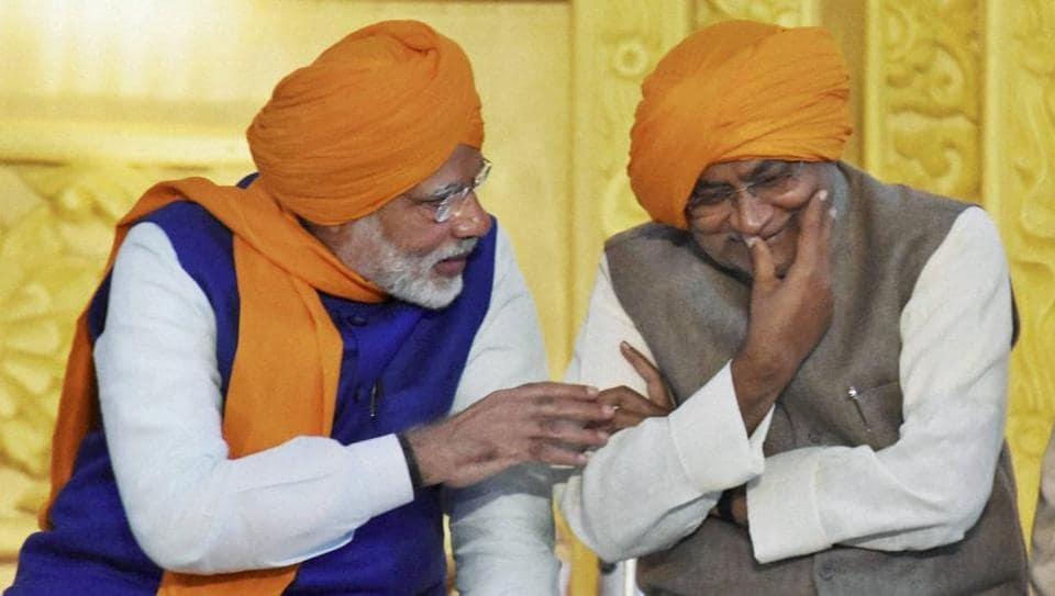 Prime Minister Narendra Modi and Bihar chief minister Nitish Kumar share a lighter moment at the 350th birth anniversary celebrations of Guru Gobind Singh at Gandhi Maidan in January.