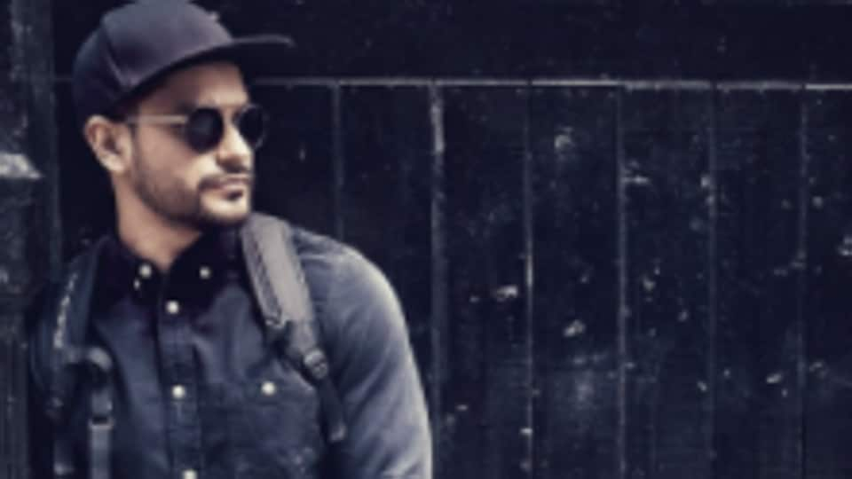 Actor Kunal Kemmu  is vacationing in London with his wife Soha Ai Khan.