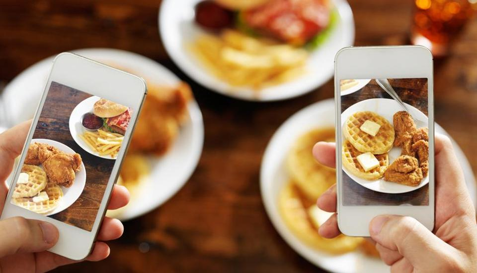 Food photos don't just cause envy, they also influence your dietary choices.