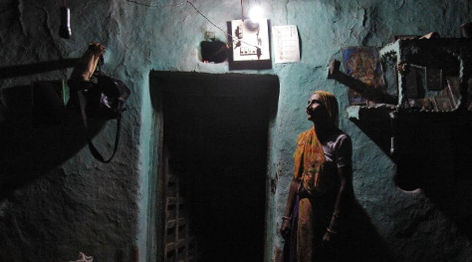 India had the world's largest energy access deficit in terms of electricity–270 million people, accounting for just under a third of the world's deficit.