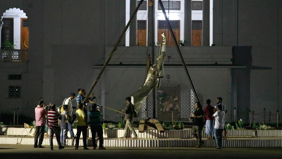 Bangladesh statue,Islamists in Bangaldesh,Removal of statue