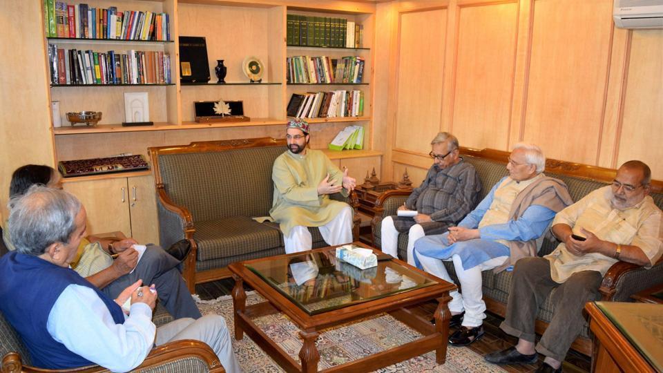 Srinagar: A civil society group headed by senior congress leader Mani Shanker Aiyar (3rd from R) during a meeting with Hurriyat Conference chairman of moderate faction Mirwiaz Molvi Umar Farooq, in Srinagar on Thursday.
