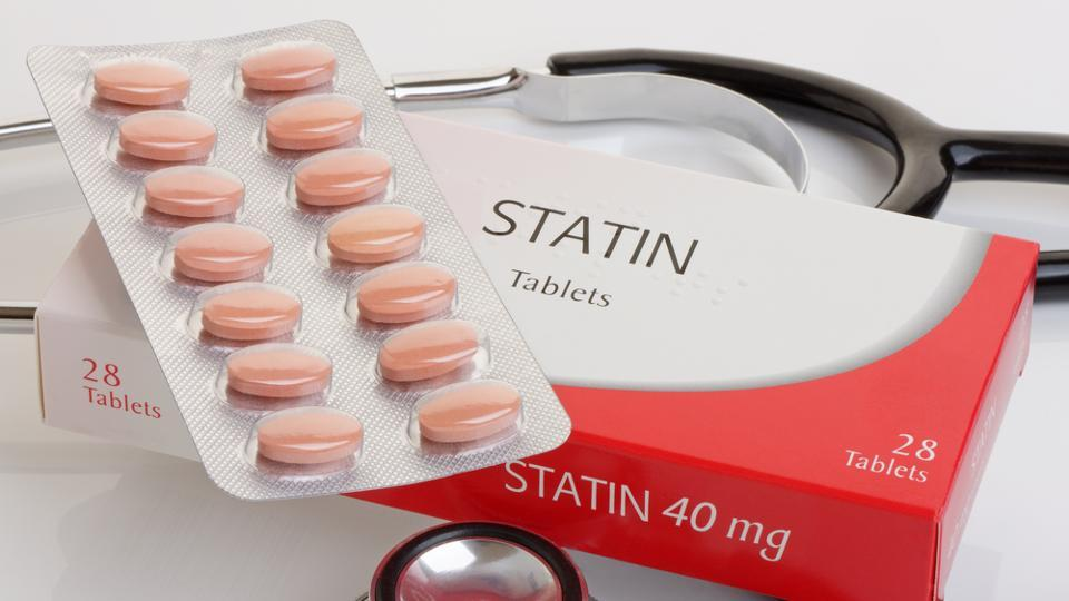 Information on statin use was obtained from medical records and a self-reporting questionnaire.