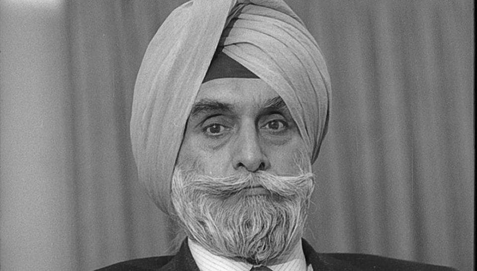 'Supercop' KPS Gill laid to rest with full state honours