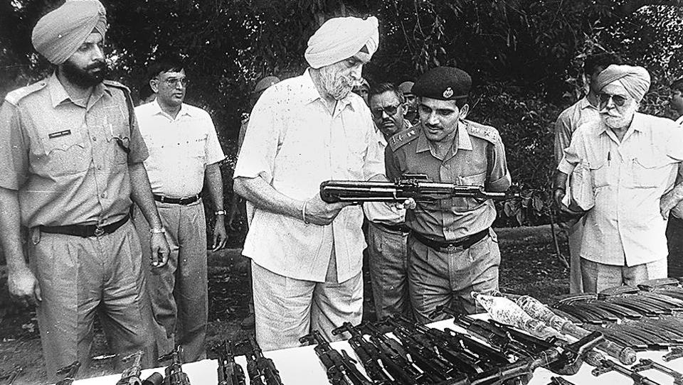 KPS Gill, then-DGP of Punjab, inspecting the arms and ammunition recovered in an encounter near Manesar in which four terrorists were killed on May 31, 1994.