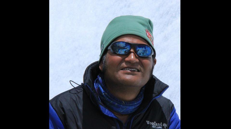 Mount Everest,BSF officer,Loveraj Singh Dharamshaktu