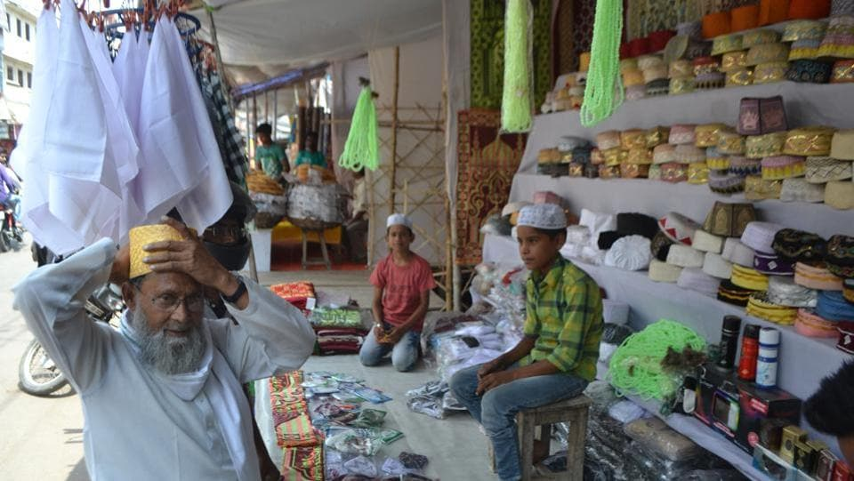 Markets in Lucknow are decked up with commodities required during Ramzan.