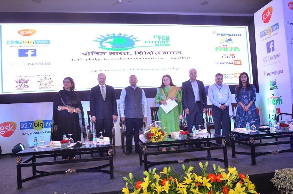 On world Hunger Day, Maneka Gandhi, minister for women and child development, flagged off the movement to serve 5 billion mid-day meals to children across India by 2020