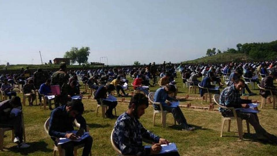 799 candidates appeared in the exam for selection of junior commissioned officers and other ranks held at Pattan and Srinagar.