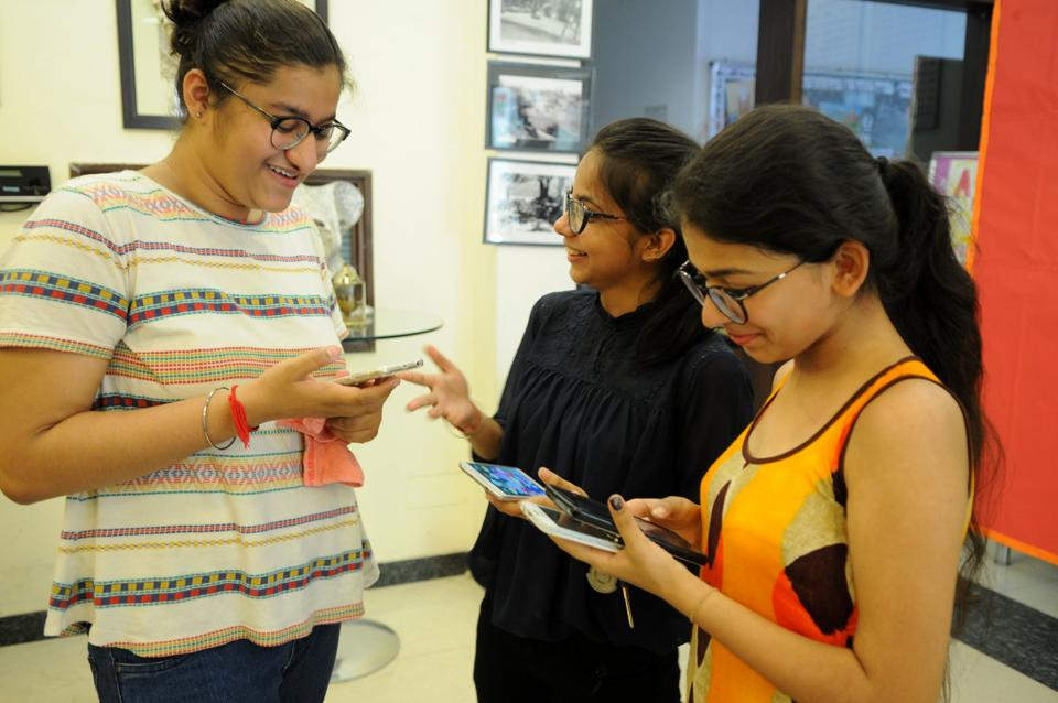 The Central Board of Secondary Education (CBSE) declared the results of Class 12 board examination 2017 on its official website on Sunday. (Parveen Kumar / hT PHOTO)