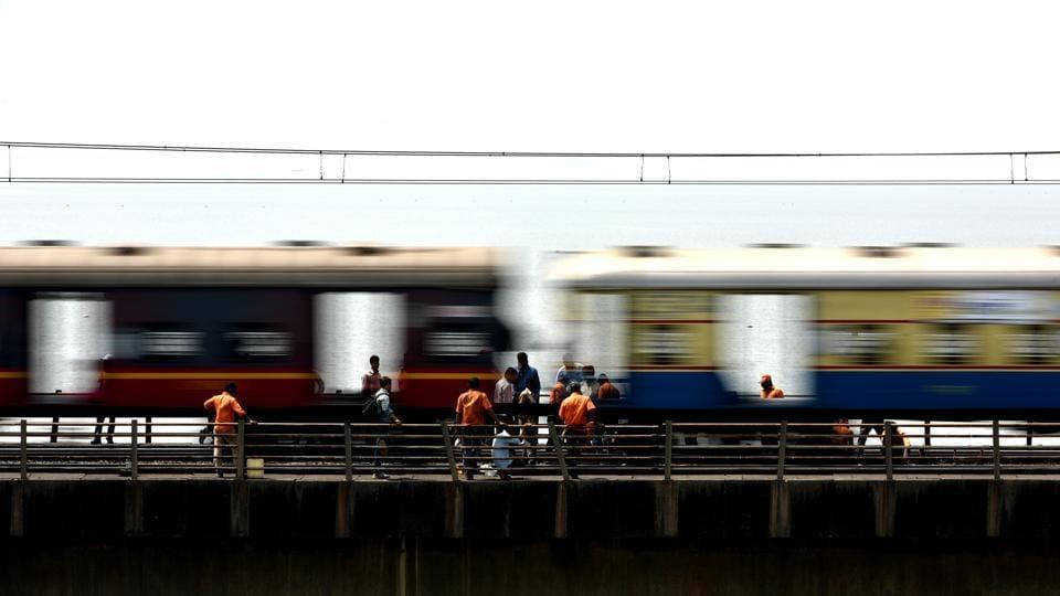 pregnant,deliver,Mumbai