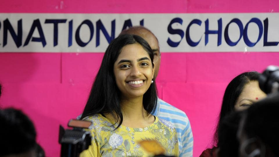 Seventeen-year-old Raksha Gopal, a resident of Noida, has emerged the national topper of Central Board of Secondary Education (CBSE) Class 12 examination by scoring 99.6% in humanities stream. (Sunil Ghosh  / HT photo)