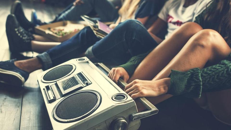 The study found that listening to inspiring music in a group and engaging in discussions about music and life is a more positive interaction that makes people feel good.