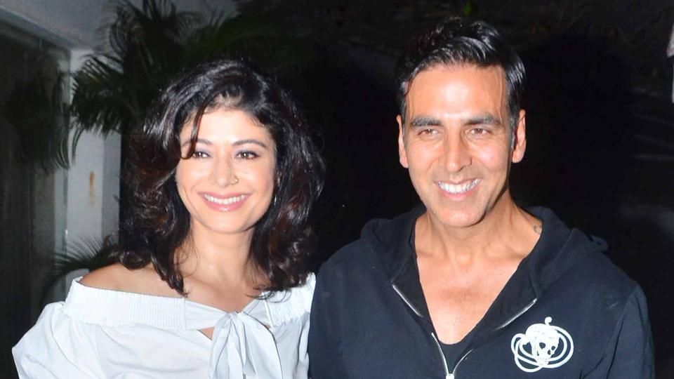 Actors Akshay Kumar and Pooja Batra at the screening of Mirror Game