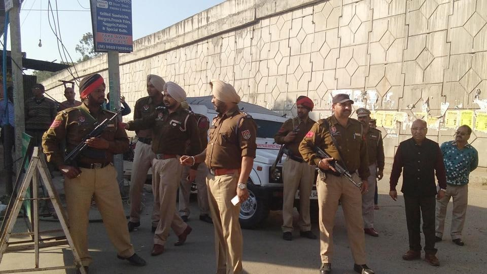 Abandoned bag with army uniforms found in Pathankot, search operations underway