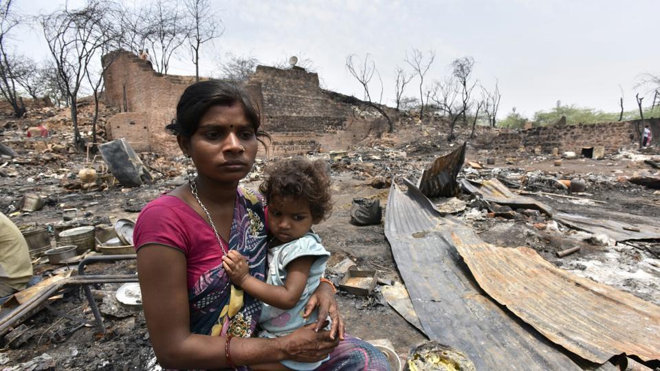 fire slums,DLF Phase-1,boy charred