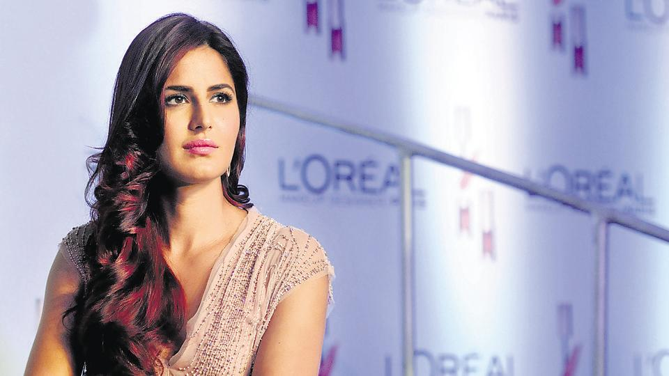 Katrina Kaif displays a L'Oreal Paris creation for its new Cannes collection in Mumbai on April 25, 2015.