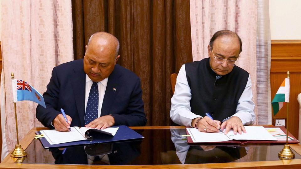 Defence minister Arun Jaitley and minister of defence and national security, Republic of Fiji, Ratu Inoke Kubuabola sign an MoU, in New Delhi on Monday.