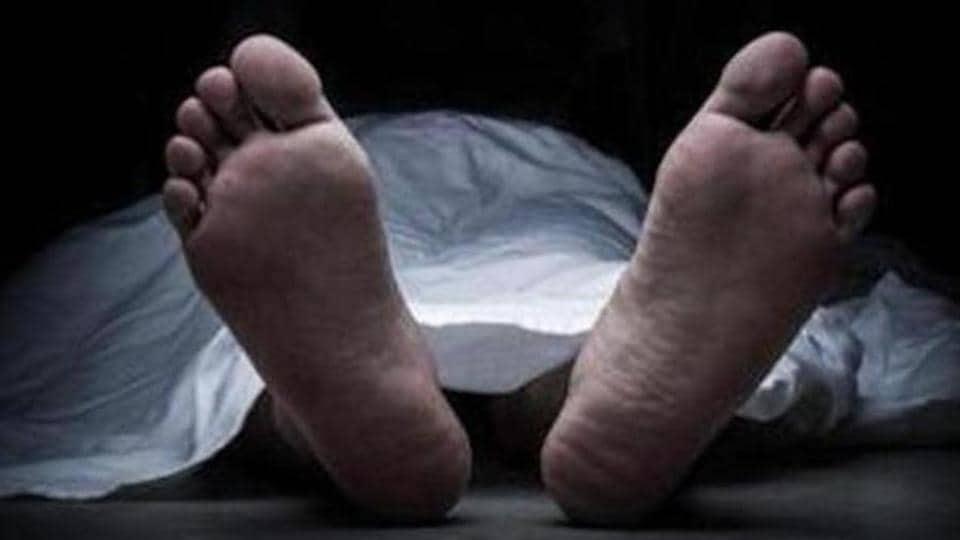 Honour killing,Family kills daughter
