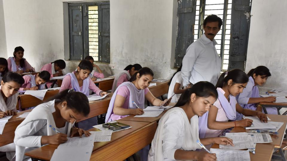 Students protest poor plus two examination results in Bihar