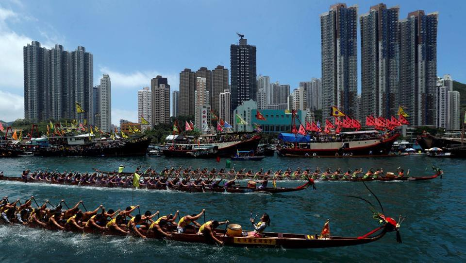 Dragon boats compete during the annual Tuen Ng or Dragon Boat Festival at Hong Kong's Aberdeen. (Bobby Yip / REUTERS)