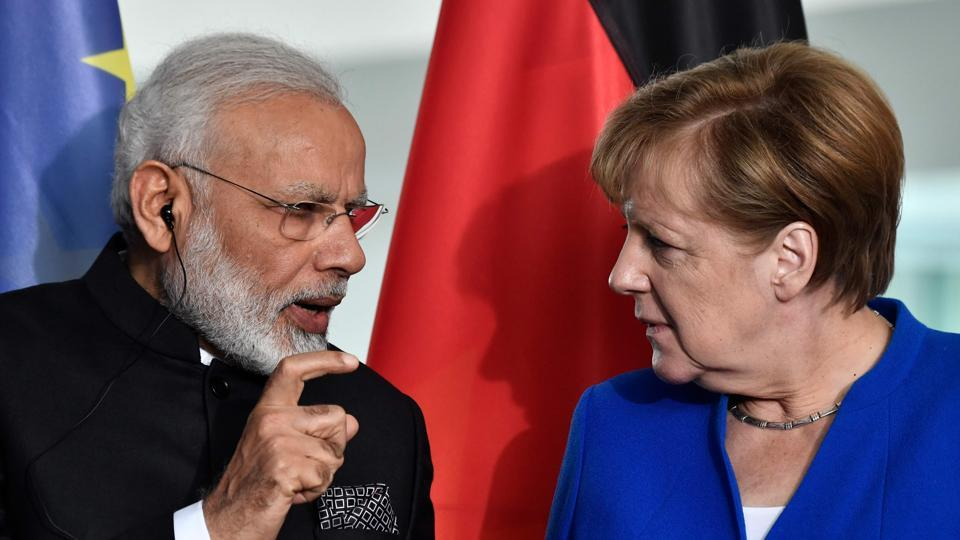 Prime Minister Narendra Modi (L) with