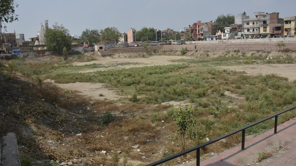 The Ghaziabad district administration has decided to start revive 20 ponds which are free from encroachment under the municipal-corporation.